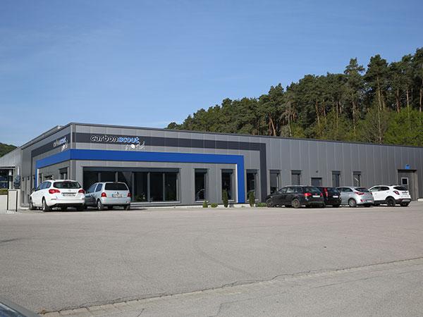 Parkplatz im Eingengsbereich der Carbonscout World